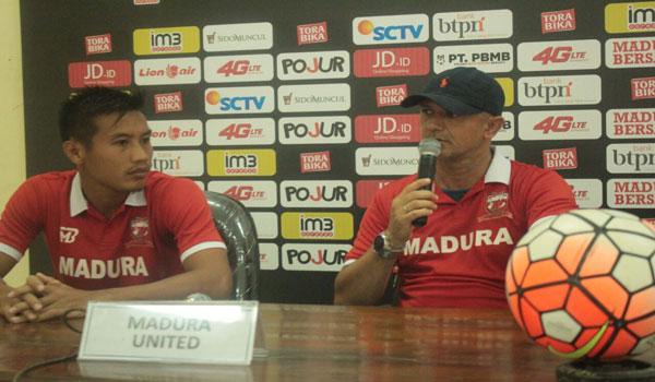Mario Gomes De Oliviera, Pelatih Madura United FC.