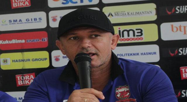 Pelatih Madura United FC asal Brazil, Mario Gomes De Oliviera.
